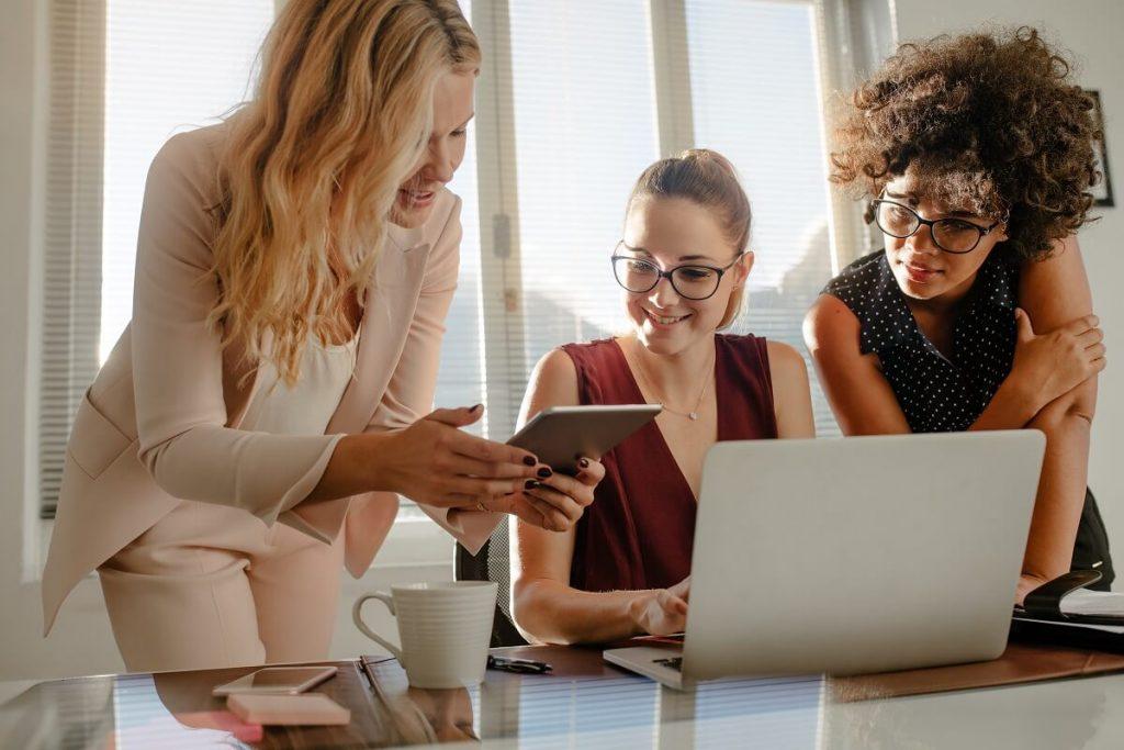 Women financial professionals